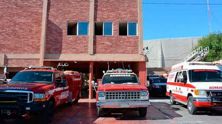 Cierran estación de bomberos por falta de salarios