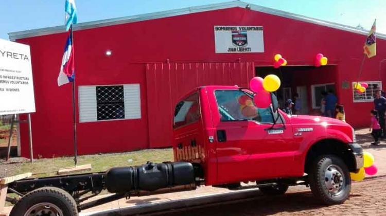 Trabajos de refacción en el cuartel de Bomberos voluntarios de Candelaria