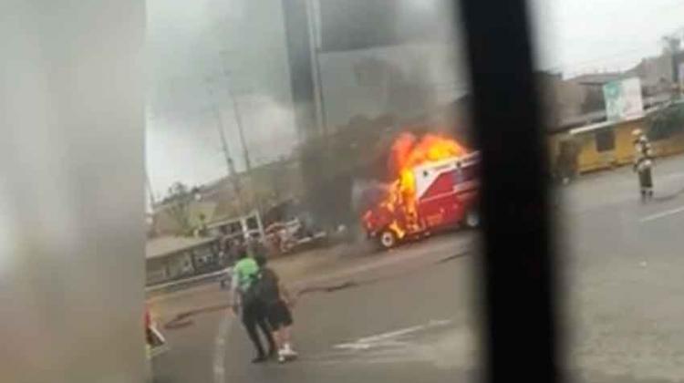 Se incendió una ambulancia del cuerpo de los bomberos