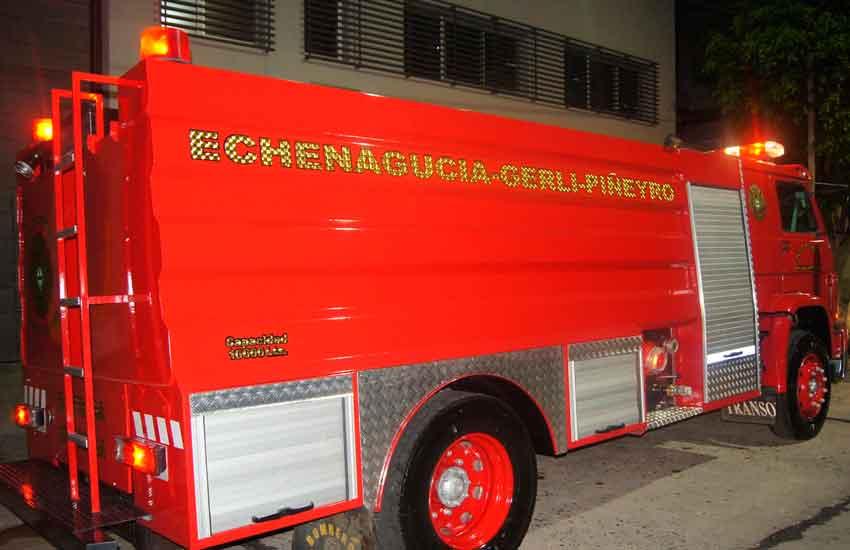 Unidad Cisterna para Bomberos deEchenagucia Gerli y Piñeyro