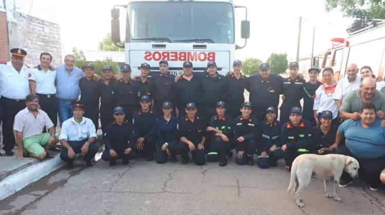 Bomberos de Beruti recibió su camión cisterna