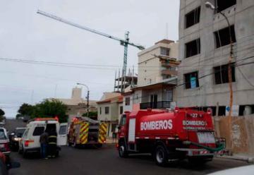 Dos bomberos se intoxicaron al acudir a un supuesto incendio