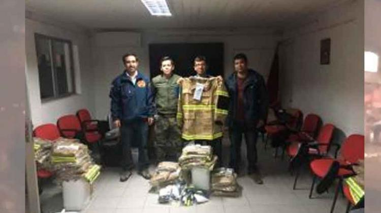 Bomberos reciben equipamiento para incendios forestales