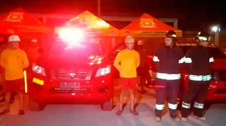 Bomberos reciben vehículo adquirido con tasa municipal