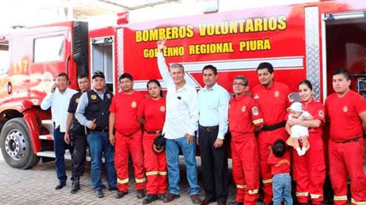 Bomberos de Bellavista con nueva cisterna contra incendios