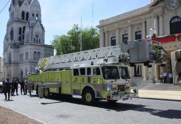 El Municipio adquirió una escalera y un autobomba para Bomberos de Tandil