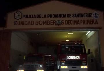 Se prendió fuego la autobomba del Cuartel de Bomberos de Las Heras