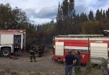 Bomberos de Chile Chico colaboró en emergencia en Los Antiguos, Argentina