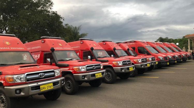 El Cuerpo de Bomberos de Guayaquil renovó su parque automotor con 25 ambulancias
