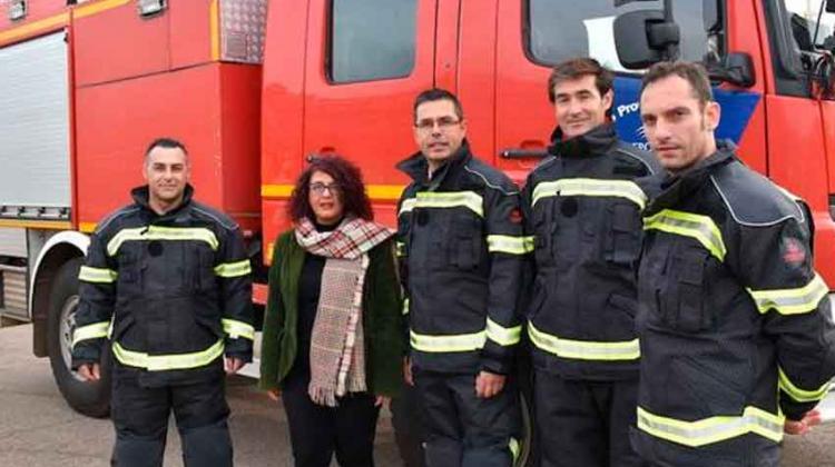 Bomberos de Badajoz con nuevos trajes de intervención