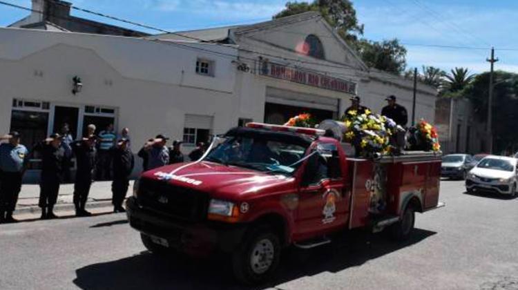 Despidieron al bombero que murió en un vuelco en Río Colorado