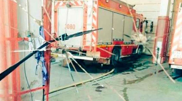 Sigue adelante la investigación del ataque a un camión de bomberos