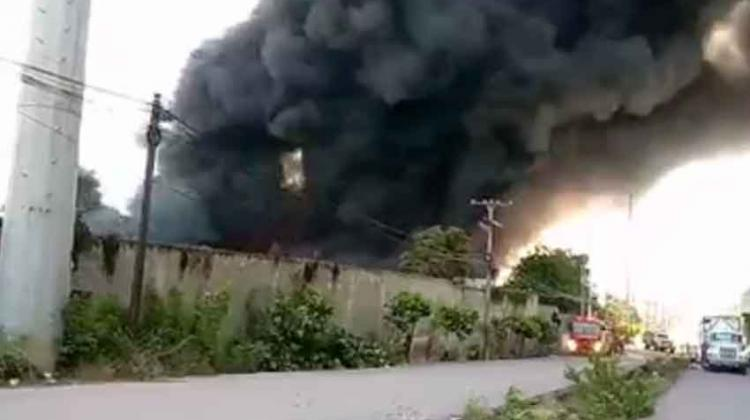 Varios bomberos se han afectado durante incendio