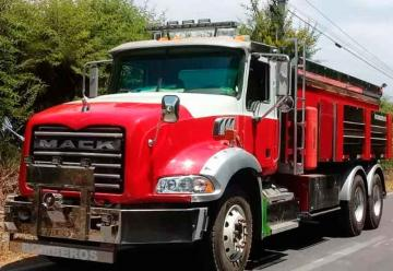 Entrega nuevo camión aljibe a Bomberos Hualañe