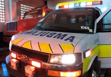 Bomberos de Carazo recibe ambulancia donada por organización canadiense