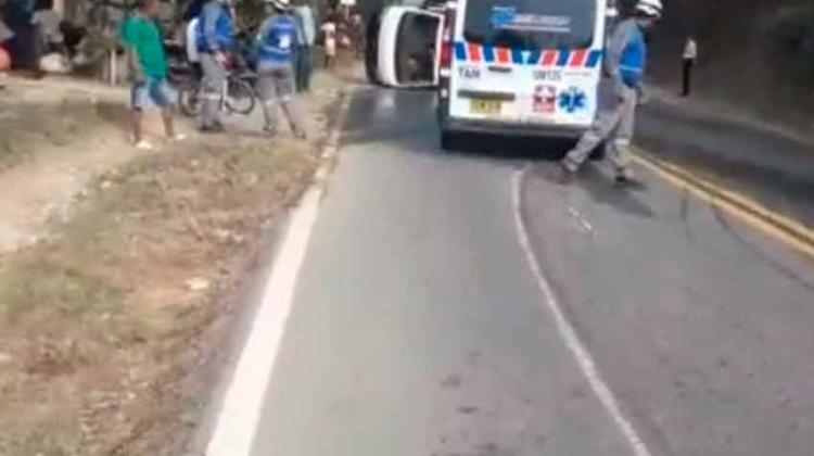 Carro de bomberos se accidentó en la vía Lorica – San Antero