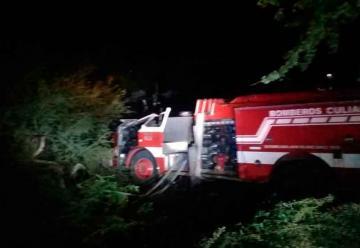 Dos bomberos lesionados en volcadura en Costa Rica