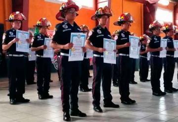 Se gradúan nuevos bomberos en Santa Cruz del Quiché