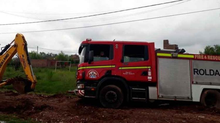 Unidad de Bomberos quedó atascada cuando concurría a emergencia