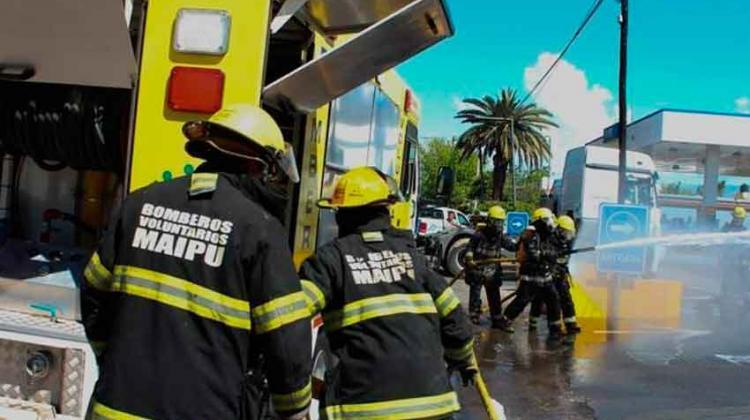 Alertan sobre estafadores que se hacen pasar por bomberos