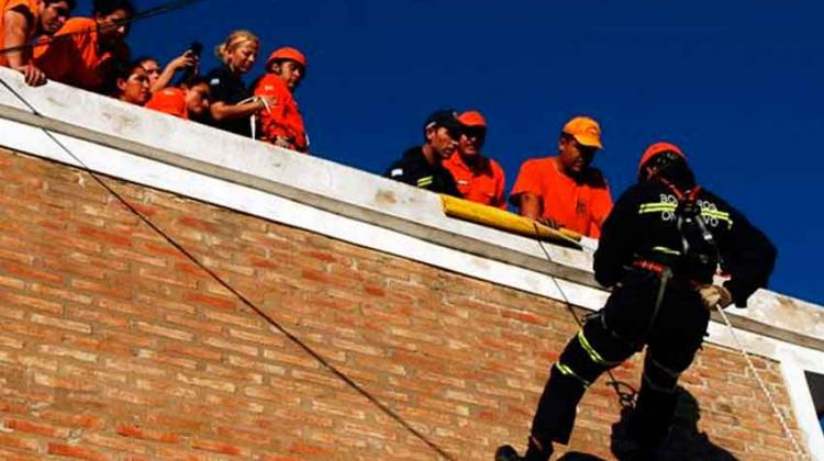 Bomberos Voluntarios se capacitaron en rescate en altura