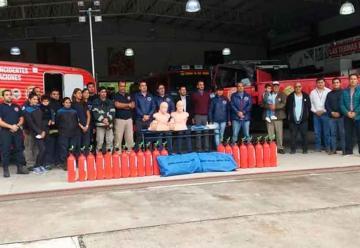 Bomberos Presentaron nuevo equipo y variedad de herramientas