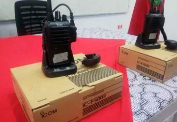 Bomberos Voluntarios recibieron un lote de 25 equipos de radios