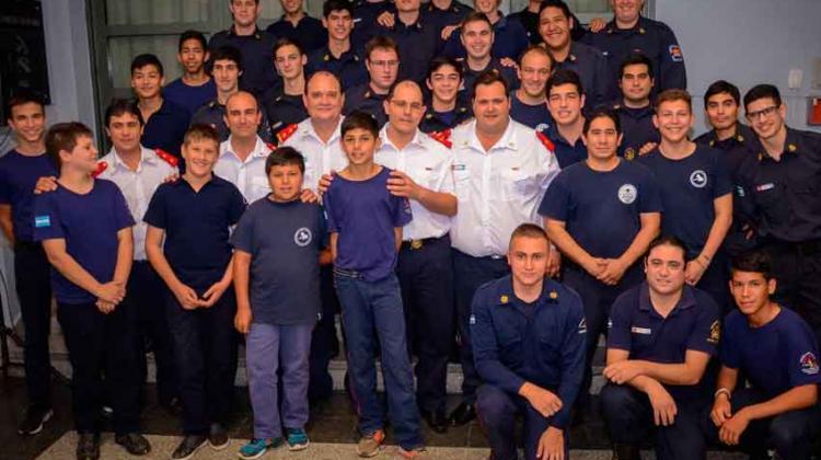 Celebraron los veinte años de la Escuela de Cadetes de Bomberos Voluntarios