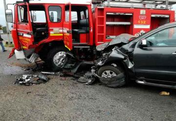 Accidente entre camioneta y Carro de Bomberos