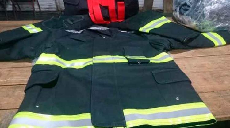 Nuevos trajes para los Bomberos de Santa Regina