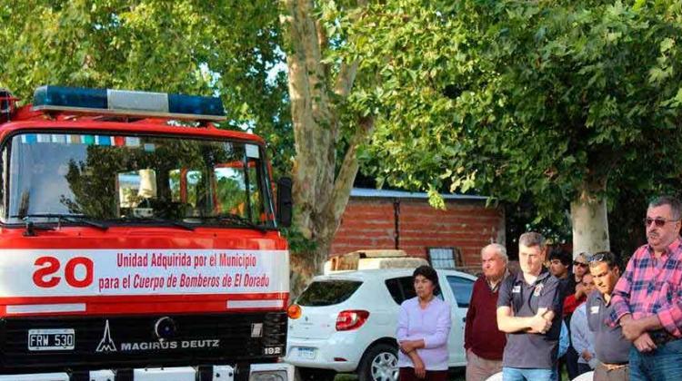 Nueva autobomba para Bomberos Voluntarios El Dorado