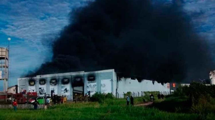 Incendio en una ferretería causó pérdidas importantes