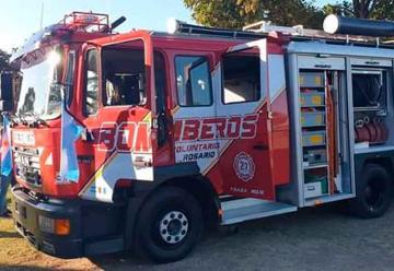 Bomberos Voluntarios de Rosario presentaron nueva autobomba