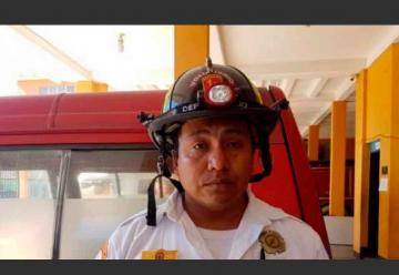 Esperan un milagro para bombero accidentado en emergencia