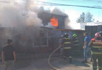 Dos bomberos lesionados dejó incendio ocurrido en Valdivia