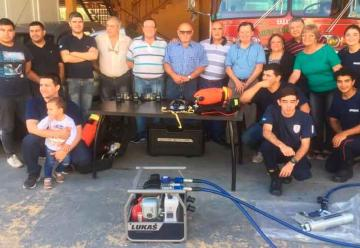 Bomberos Voluntarios de Coronda presentó nuevos equipos