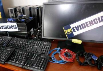 Detienen a banda acusada de robar 32 computadores a Bomberos