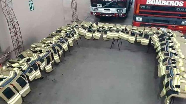 Bomberos Voluntarios de Rufino con ropa de protección nueva