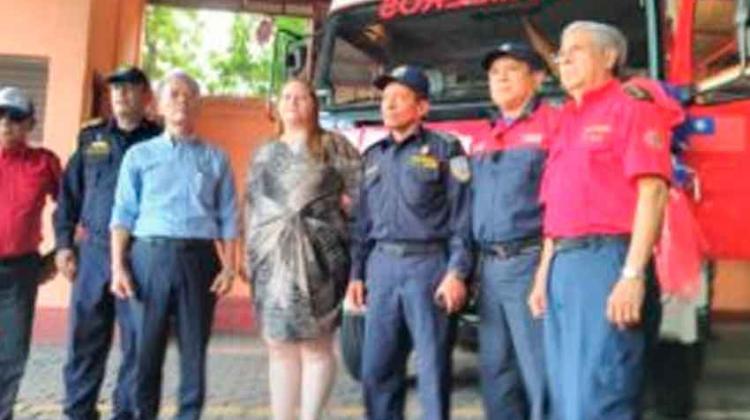 Taiwán entrega 2 camiones al Cuerpo de Bomberos Unificados