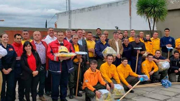 Entregaron equipamiento a 16 cuarteles de bomberos en Carlos Paz