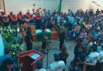 Despiden a brigadista que murió por combate a incendio en Guerrero