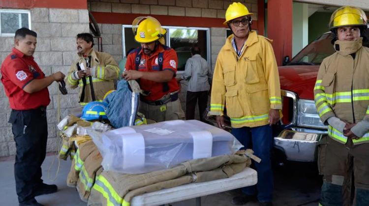 Ciudadanos donan equipo al Cuerpo de Bomberos de Matamoros