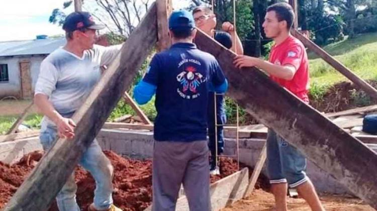 Avanza la construcción de la sede de los bomberos de Bernardo de Irigoyen
