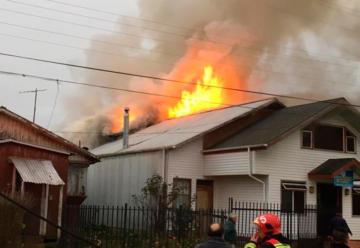 Falta de grifos impidió que Bomberos controlara incendio en iglesia