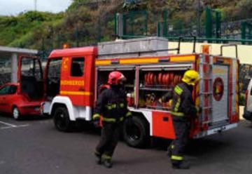 Bomberos recuperan un camión del desguace para cubrir los servicios