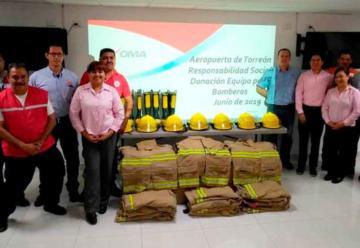 Donan equipo de seguridad para Bomberos de Torreón