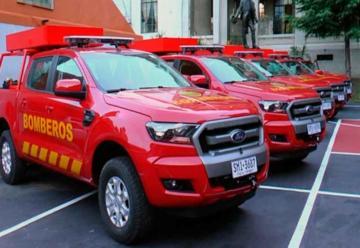 Dirección Nacional de Bomberos recibió 25 camionetas 4×4