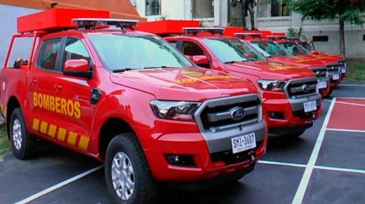Dirección Nacional de Bomberos recibió 25 camionetas 4x4