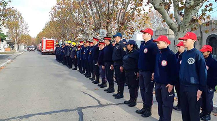La Regional Nº 1 rindieron honor a los bomberos fallecidos