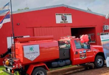 Entregan un camión a los Bomberos Voluntarios de Candelaria